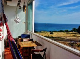 A picture of the hotel: Charming apartment with sea view