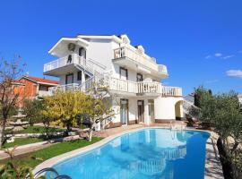 Hotel Photo: Apartment Zecevo Rtic 8366a