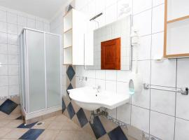 Hotel photo: Apartment Rogoznica 3196a
