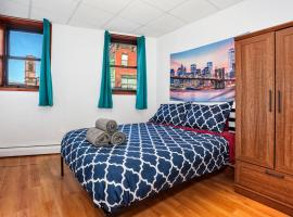 Hotel photo: 15 minutes to NYC! Lovely 2 bedroom