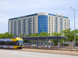 A picture of the hotel: Embassy Suites Minneapolis - Airport