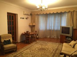 Hotel Photo: Apartment in Stalinskiy style