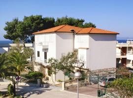Hotel Photo: Apartment Podgora 4330c