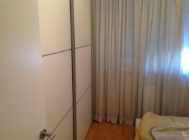 Hotel fotoğraf: New, light fully equiped apartment for daily and monthly rent