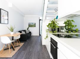 Готель фото: Hip one-bedroom house in inner Sydney