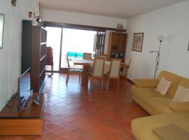 A picture of the hotel: Beautiful house with sea view in Sesimbra