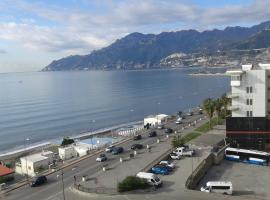 Hotel photo: una finestra sul mare