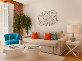 Hotel photo: Refurbished apartment- 2 minutes from Puerta del Sol-WiFi