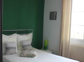 Hotel Photo: appartement t3 bordeaux