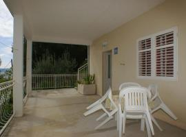 Hotel Photo: Apartment Podgora 2593a