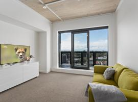 Hotel Photo: Brand new and spacious apartment in New Lynn