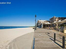 Hotel photo: Beachside Living Apartment