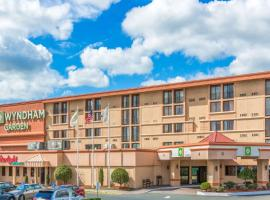 A picture of the hotel: Wyndham Garden Hotel Newark Airport
