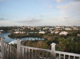 Hotel Photo: Fairylands Oceanside Charming Suites by Hamilton.