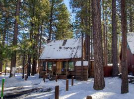 Hotel Photo: Adorable Old Tahoe Cabin