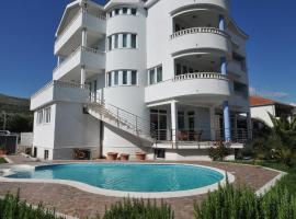 Hotel Photo: Apartments Villa Lida
