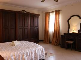 A picture of the hotel: Large Apartment - Malta International Airport