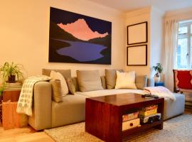A picture of the hotel: 1 Bedroom House in Battersea Sleeps 2