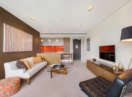 Hotel photo: Camperdown Self-Contained Modern One-Bedroom Apartment (608ST)