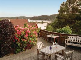 Hotel photo: Two-Bedroom Holiday Home in Tvedestrand