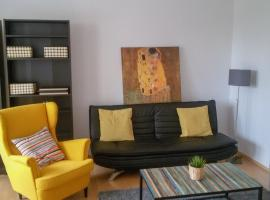 Heart of Mitte Apartment