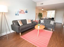 Hotel Photo: W. HOLLYWOOD CHARMING 2BR/2BT SUITE / Free Parking / Rooftop Pool