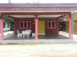 Hotel Photo: Homestay Hajah Che Tom
