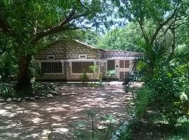 Hotel Photo: Kilifi Bofa Cottages