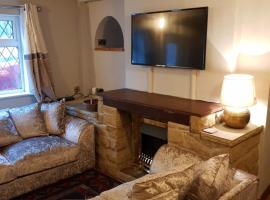 Hotel Photo: Mill Yard Cottage