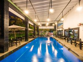 Hotel Photo: Sea Flower Hotel Da Nang