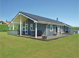 Hotel Photo: Holiday home Pøt Strandby in Denmk