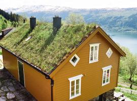 Hotel Photo: Three-Bedroom Holiday home in Nordfjordeid 3