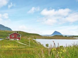 Hotel Photo: Three-Bedroom Holiday home in Bøstad