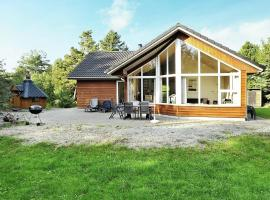 Hotel Photo: Three-Bedroom Holiday home in Blåvand 61