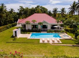 Hotel Photo: Bohol White House Bed & Breakfast
