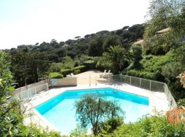 Hotel Photo: Rental Apartment Coteaux De La Nartelle - Sainte-Maxime