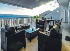 Hotel Photo: Apartment Dugi Rat with Sea View 06