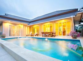 Hotel Photo: Villa with private pool