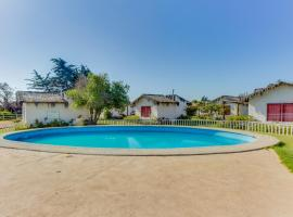 A picture of the hotel: Cabañas Los Refugios