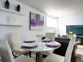 Hotel photo: 2-Bedroom Basement Apartment near metro Henri-Bourassa