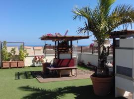 Hotel Photo: APARTAMENTO-ÁTICO FRENTE AL MAR