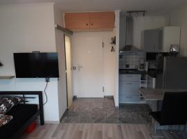 A picture of the hotel: Bienes Appartement