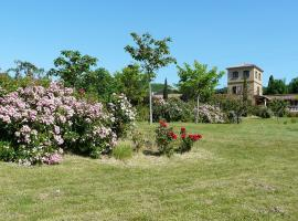 Hotel Photo: Holiday Home Les Ecuries