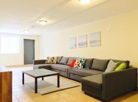 Hotel photo: Triplex Townhouse with Outdoor Area