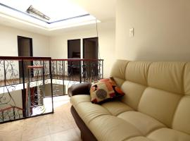 A picture of the hotel: Comfy rooms in Historic City Center