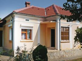 Hotel Photo: Two-Bedroom Holiday Home in Dropla