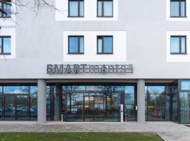 A picture of the hotel: SMARTments business Berlin Prenzlauer Berg