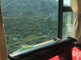 Hotel Photo: Mountain View with private entry to park in Shenzhen
