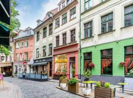 होटल की एक तस्वीर: Doma square Penthouse, in the heart of Old Town