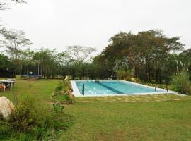 Hotel Photo: Bamboo Banks Farm & Guest House